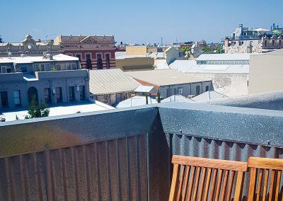 fremantle-loft-pakenham-accommodation-balcony