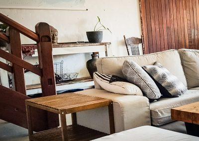 fremantle-loft-pakenham-accommodation-lounge-1