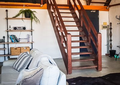 fremantle-loft-pakenham-accommodation-stairs
